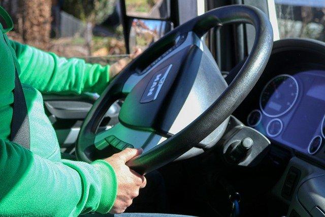 Hoe u een vrachtwagenchauffeur kunt worden