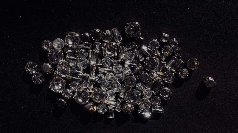 Hoe een diamantschilderkit te kiezen